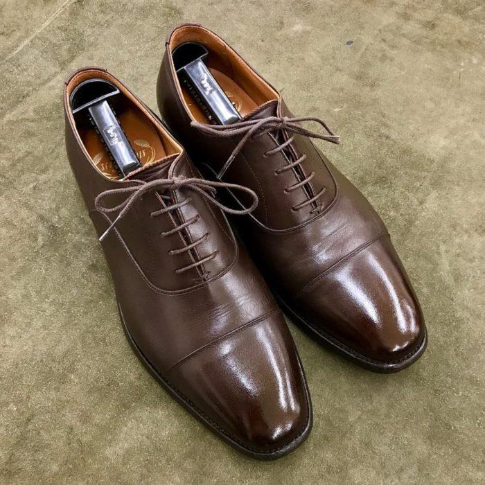 スコッチグレインの靴磨きならシューシャインワークスにお任せください。